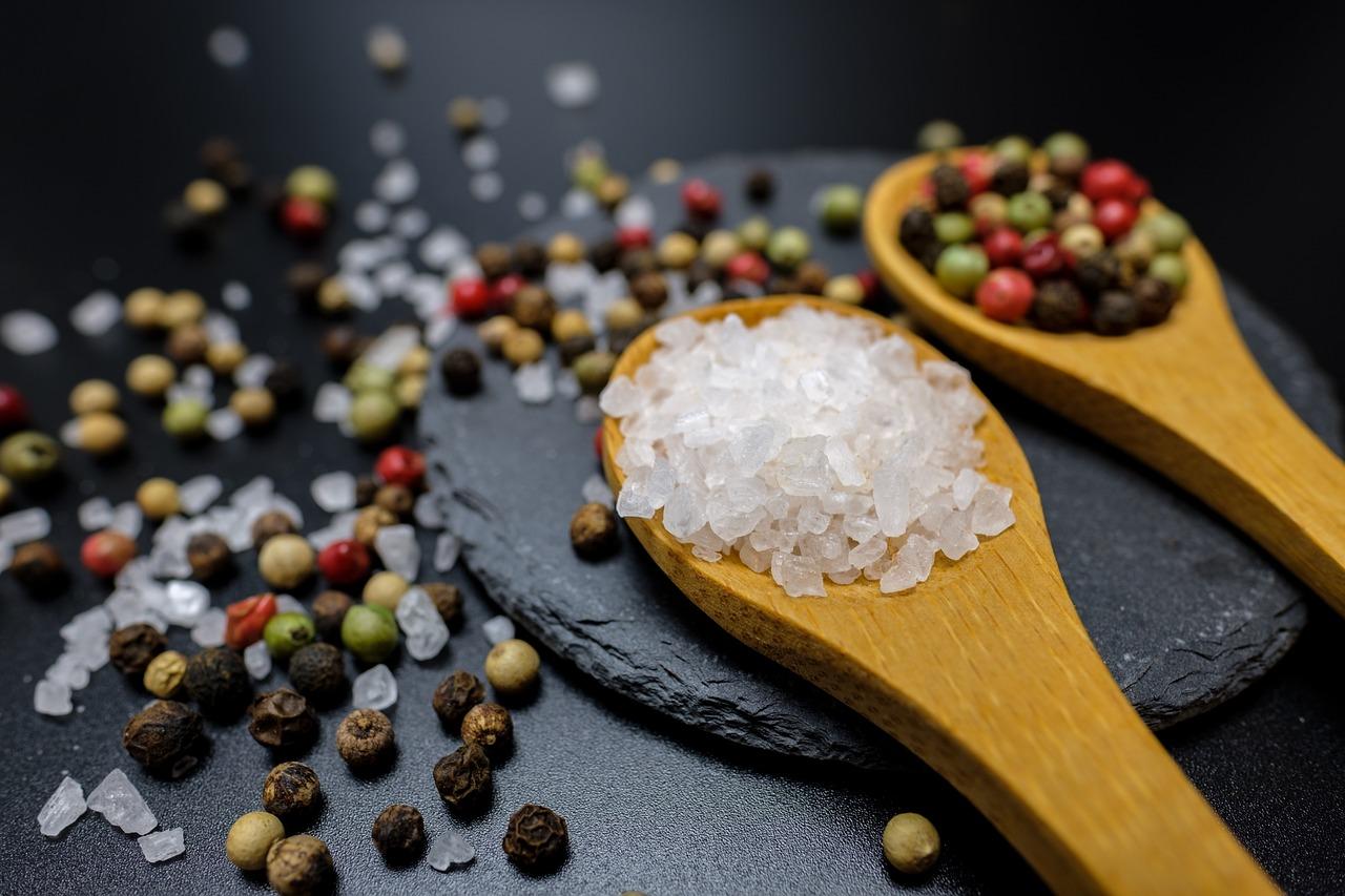 Nejlepší zvýrazňovače chuti jsou sůl a klasická koření