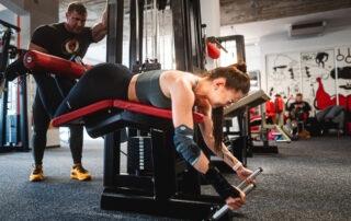 Lenka Myslivcová zakopávání - tréninkový plán na hubnutí